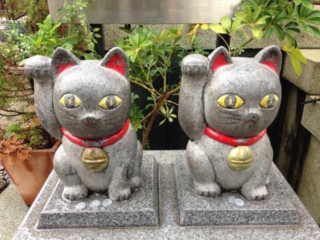 浅草・今戸神社 石なで猫